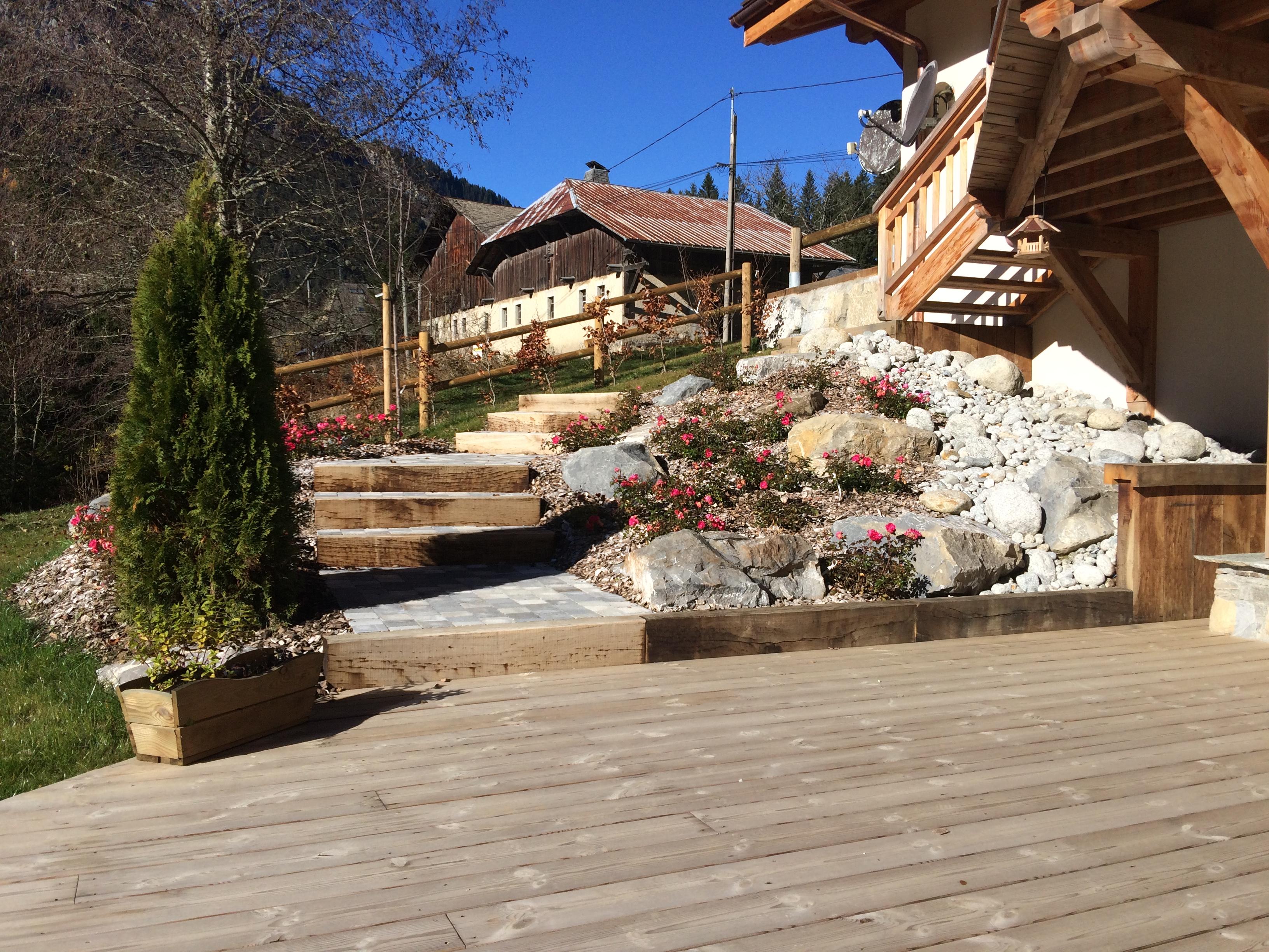 Escalier, rocaille, plancher, clôture